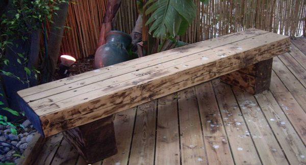 ספסל מעץ גושני